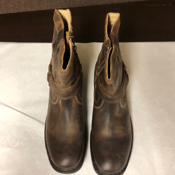 6d3dc0256ee Roan Colton Boots NWT